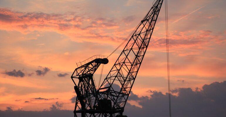 harbour-crane-1643476_1280